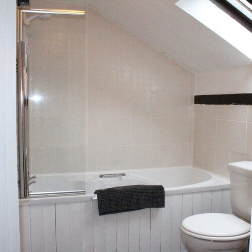 Spacious bathroom | Couples holiday In Somerset