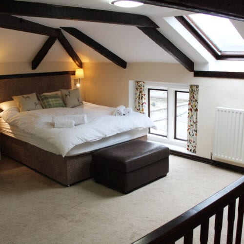 Rental bedroom with en-suite bathroom in South Somerset